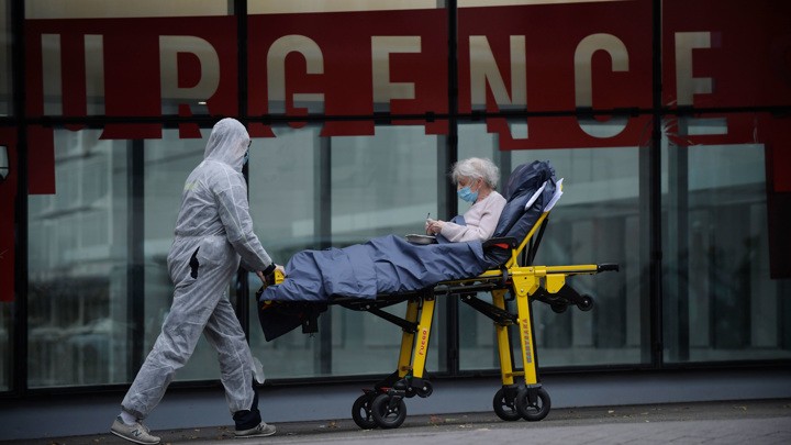 Эпидемиолог уточнил, когда Франция вернется к нормальной жизни