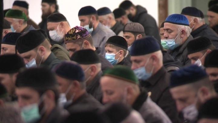 """В Чечне ввели ограничения, чтобы """"выиграть время"""""""