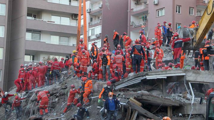 Число погибших при землетрясении на западе Турции возросло до 76