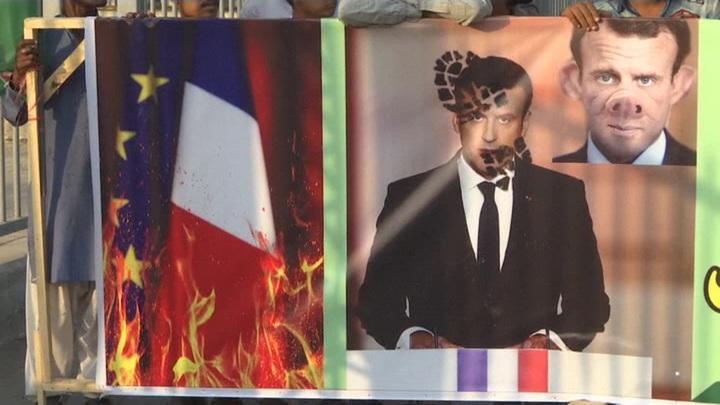 Пакистанцы митингуют против политики Франции в отношении ислама