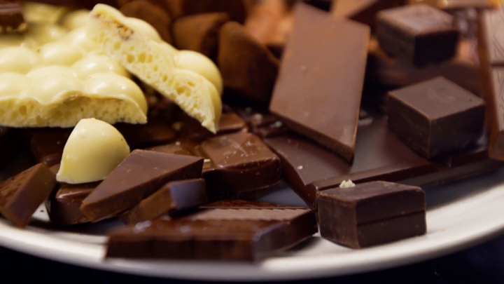"""Кадр из программы """"Тест"""". Шоколад"""