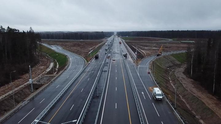Товары от Москвы до Петербурга по трассе М-11 будут доставлять беспилотные грузовики