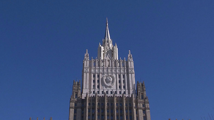 В России не будут оформлять электронные визы для иностранцев