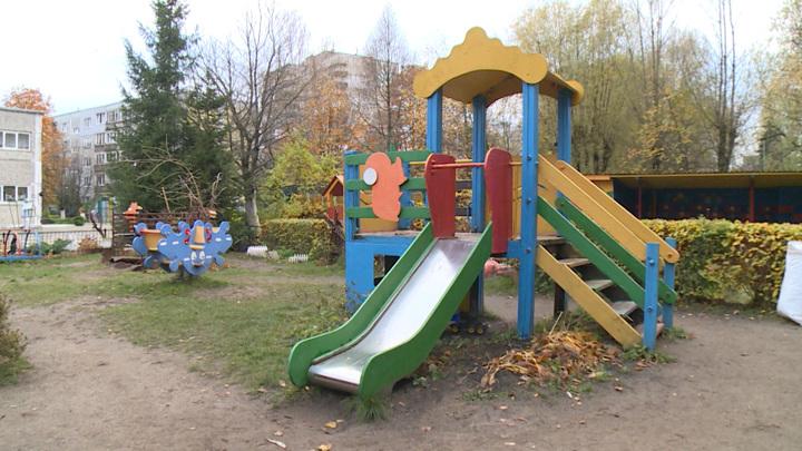 Появились подробности в деле о смерти ребенка на площадке детсада