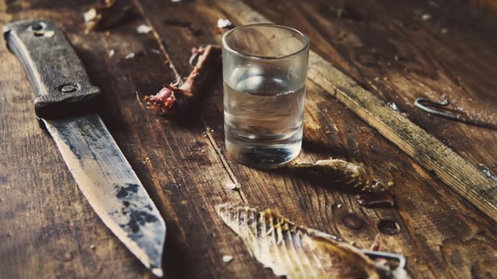На Ямале застолье закончилось поножовщиной: мужчина чуть не убил собутыльника