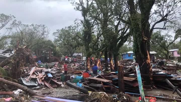 """Ураган """"Йота"""" в Центральной Америке продолжает убивать"""