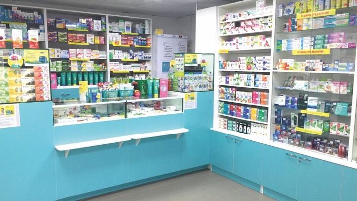 Банку с экскрементами разбил злоумышленник в аптеке Бердска