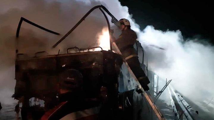 Автобус дотла сгорел в Ростовской области