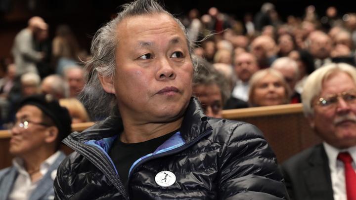 """""""Большая потеря"""": деятели культуры почтили память Ким Ки Дука"""