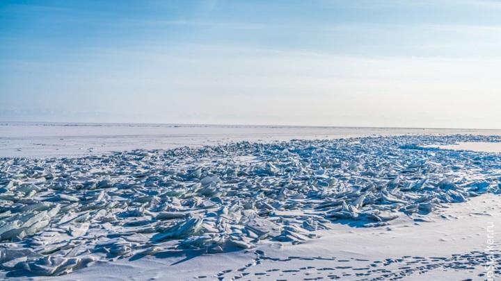 В Карелии третий день ищут пропавших на озере рыбаков