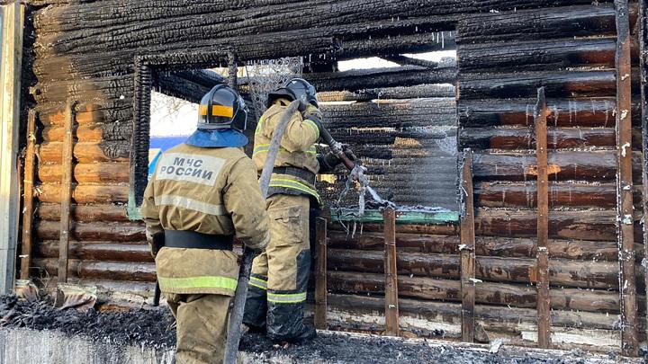Владелицу сгоревшего дома престарелых доставили на допрос