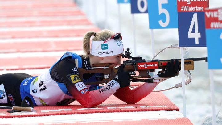 Норвежские биатлонистки победили в эстафете на чемпионате мира