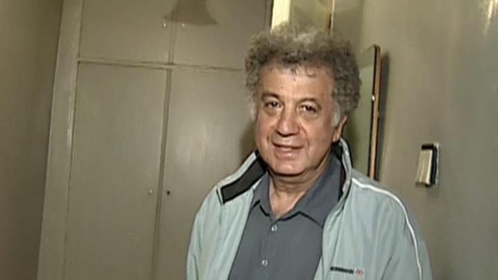 Умер писатель и сценарист Александр Курляндский