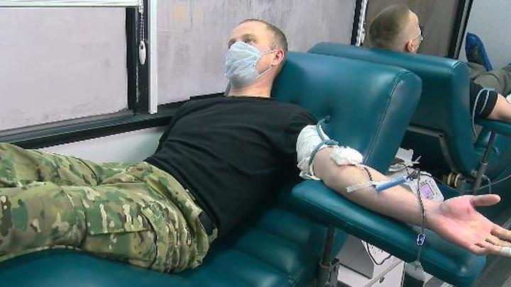 Более сотни пензенских росгвардейцев сдали кровь, чтобы помочь пациентам