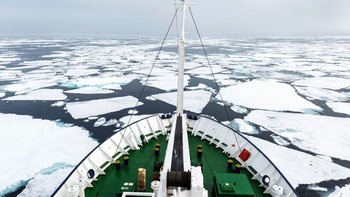 МЧС предупредило об опасности обледенения судов в Японском море