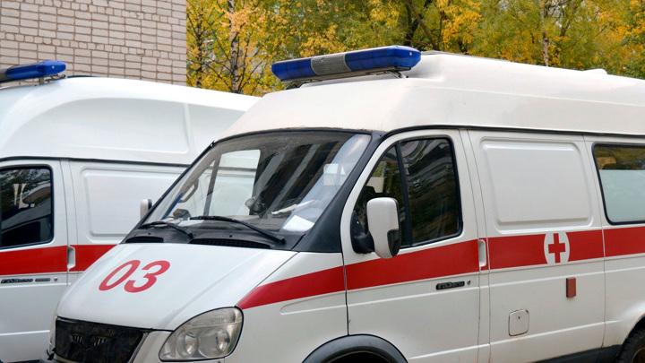 В Москве трехлетняя девочка выжила после падения со второго этажа