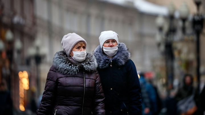Маски и QR-коды: московские власти оценили антикоронавирусные меры