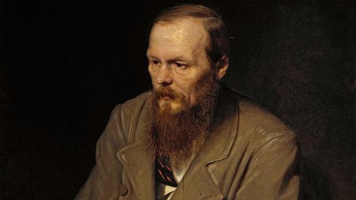 Омский художник-микроминиатюрист создал к юбилею Достоевского две микрокниги