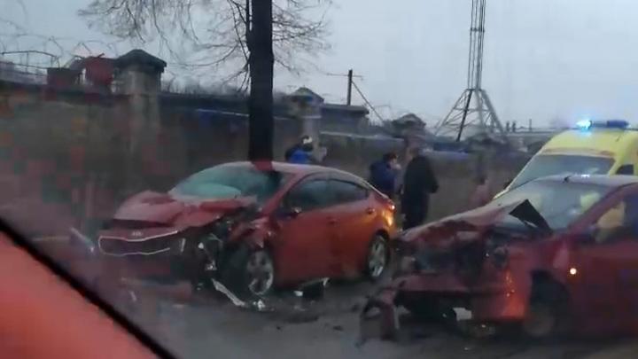 Авария в Смоленске попала на видео