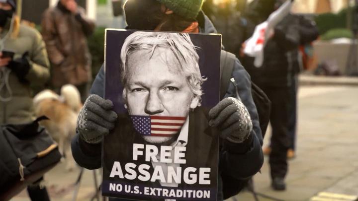 Лондонский суд отказался отпустить основателя WikiLeaks Джулиана Ассанжа под залог
