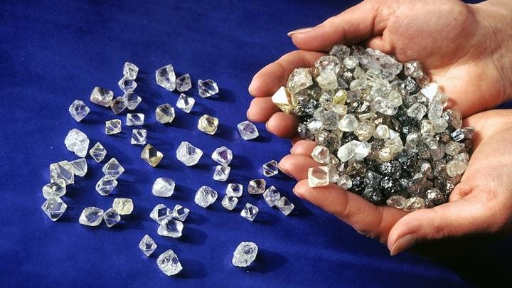 """""""Алроса"""" в 2022 году намерена добыть не менее 33 млн. карат алмазов"""