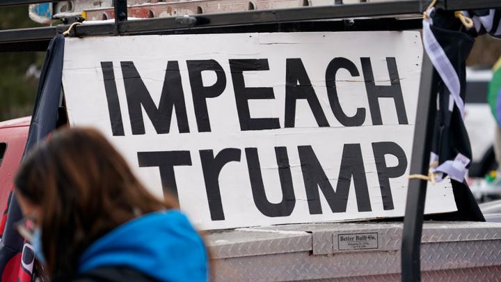 Палата представителей США в среду рассмотрит вопрос об импичменте Трампа