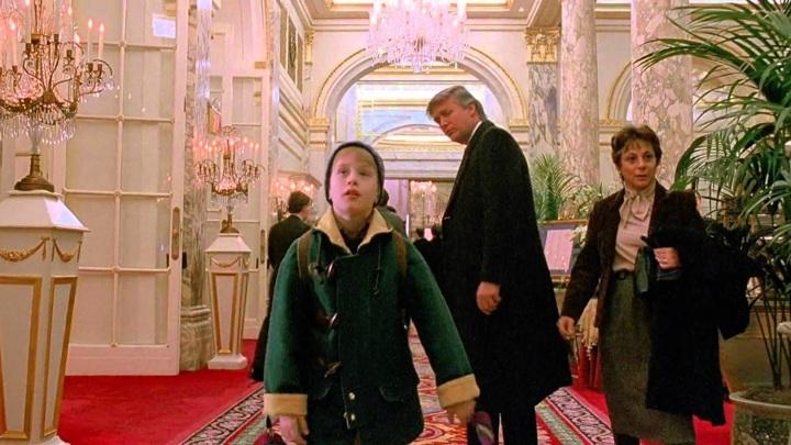 """Кадр из фильма """"Один дома 2: Затерянный в Нью-Йорке"""""""