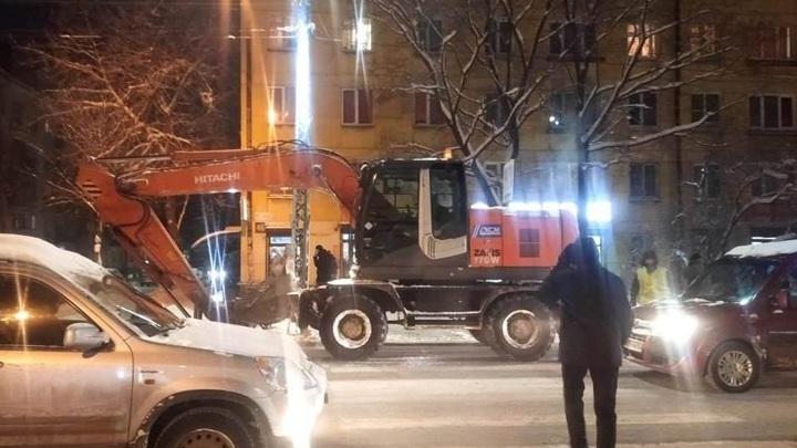 Стали известны подробности ДТП с экскаватором, сбившим пешехода в Петрозаводске