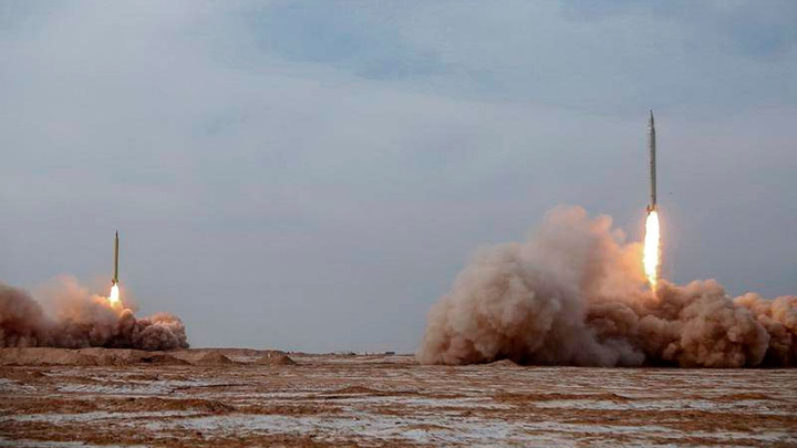Иранские ракеты взорвались в 160 километрах от авианосца ВМС США