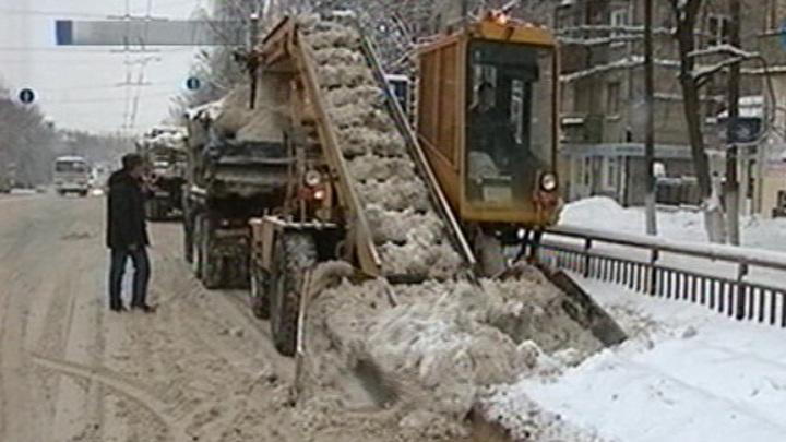 Нижегородским коммунальщикам не хватает техники для уборки снега