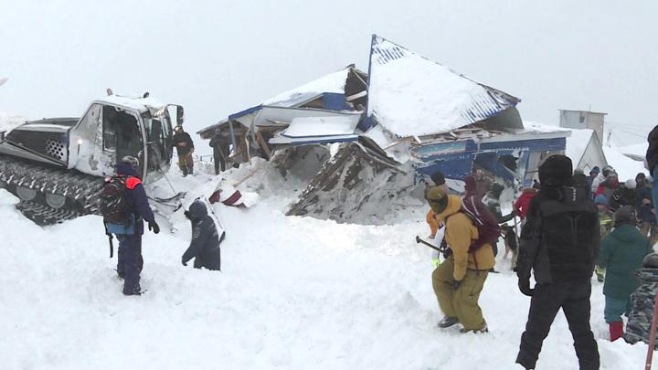 Расследование ЧП на Домбае: что стало причиной схода лавины