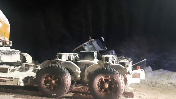 В Башкирии на дороге столкнулись грузовик и трактор: водитель МТЗ погиб