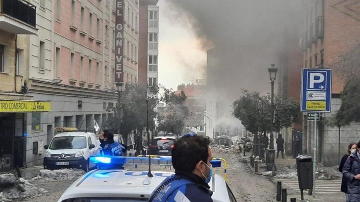 Шесть человек пострадали при взрыве в центре Мадрида