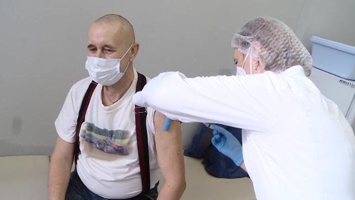 Прививки от коронавируса сделали почти полмиллиона жителей Подмосковья