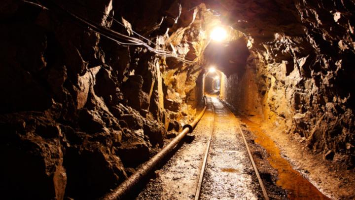 Двое шахтеров погибли в Кузбассе при обрушении породы
