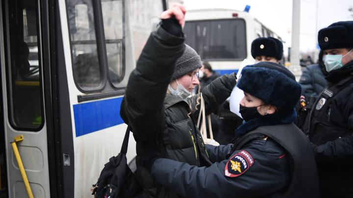 На несанкционированной акции в Москве задержаны 15 несовершеннолетних