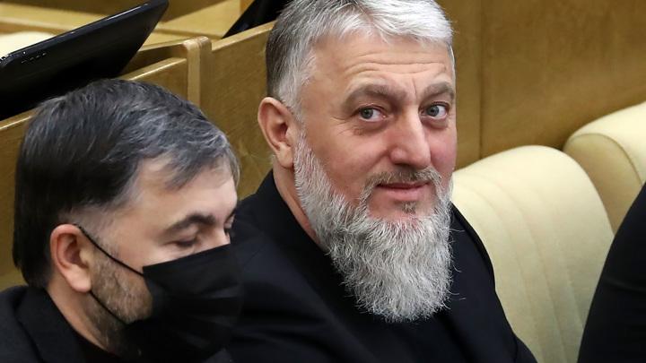 Депутат Госдумы от Чечни обратился к юноше, дравшемуся с омоновцами