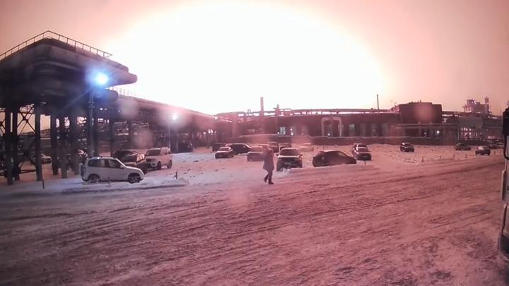 Под Уфой после взрыва загорелся завод