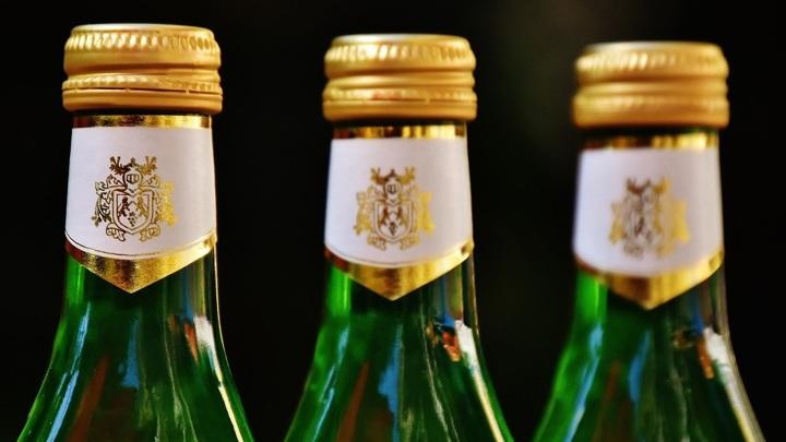В Челябинске изъяли 70 тысяч бутылок контрафактного алкоголя
