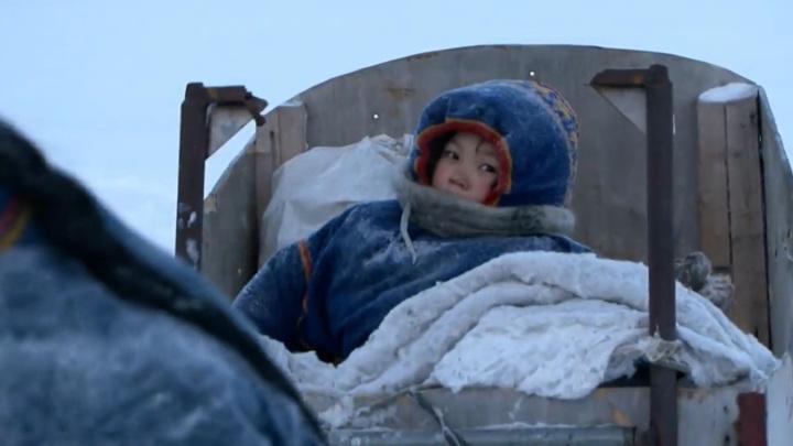 Шесть часов на 40-градусном морозе: в ямальской тундре спасли семью с детьми