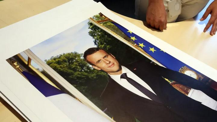 За кражу портрета Макрона грозит три года тюрьмы и €45 тысяч штрафа