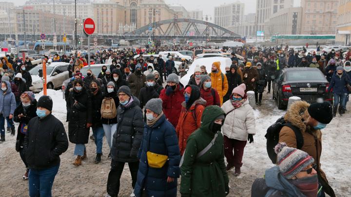Митинга не будет: соратники Навального откладывают протесты до весны