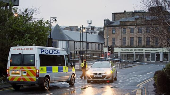 Не терроризм: в шотландской полиции рассказали о гибели троих человек в Килмарноке