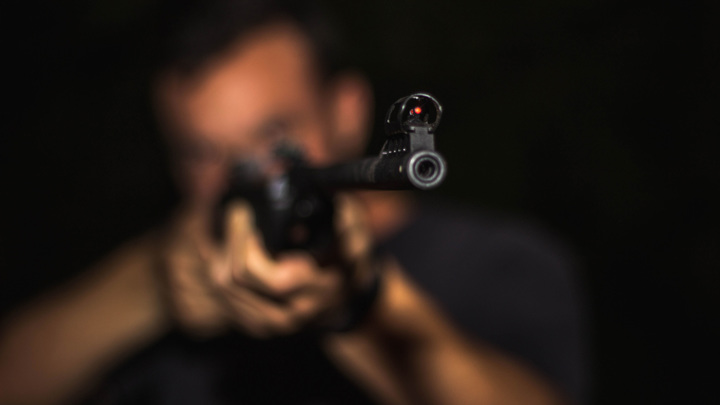 Обезврежена группировка, торговавшая оружием спецподразделений