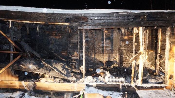 4 жителя Чувашии сгорели в строительной бытовке в Тверской области
