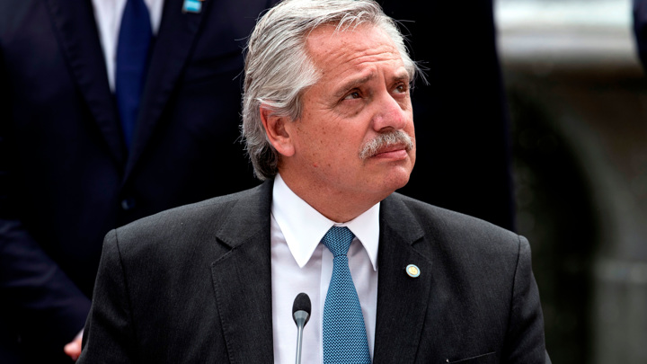 """Президент Аргентины признал высокую эффективность """"Спутника V"""""""