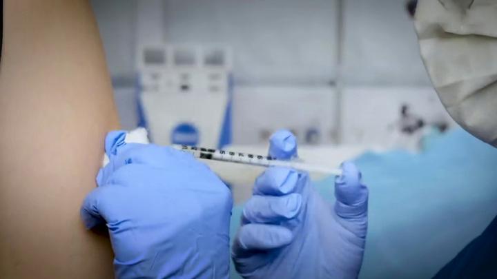 На Украине началась вакцинация индийским препаратом от COVID-19