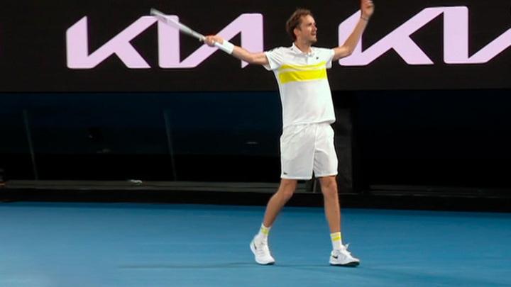 Россиянин Медведев вышел в финал Открытого чемпионата Австралии по теннису