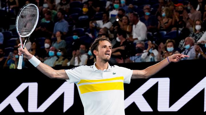 Медведев стал третьим в рейтинге ATP, Карацев – 42-й