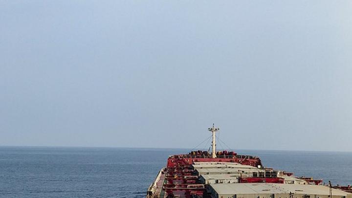 Отравившиеся на судне в Керченском проливе моряки госпитализированы